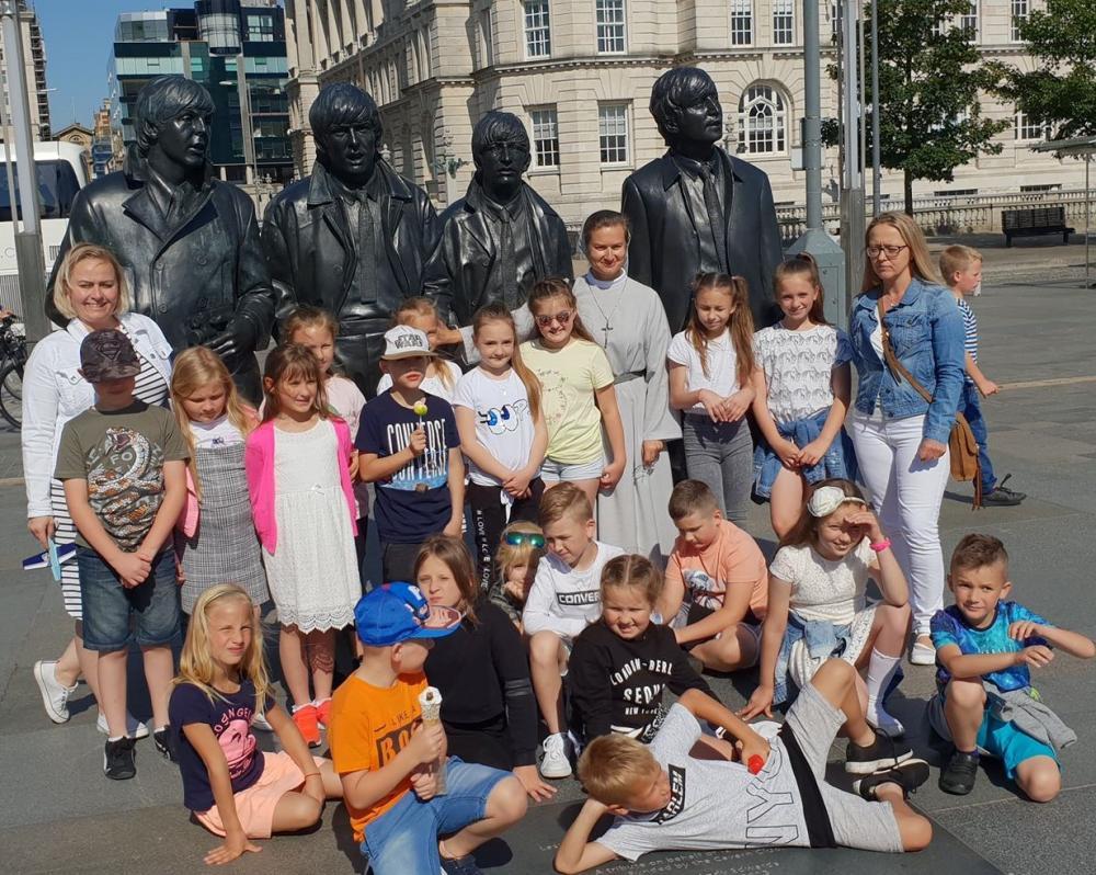 Wyjazd do Liverpool dla dzieci pierwszokomunijnych i ich rodziców.